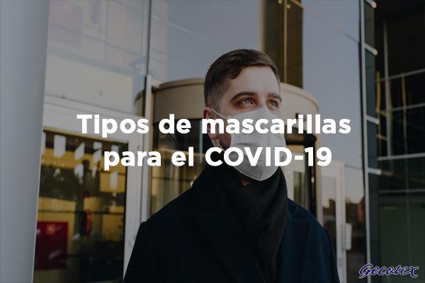 Chico con mascarilla para COVID-19
